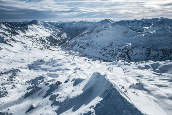 Winter in the mountains – Ski area Obertauern – st martin chalets