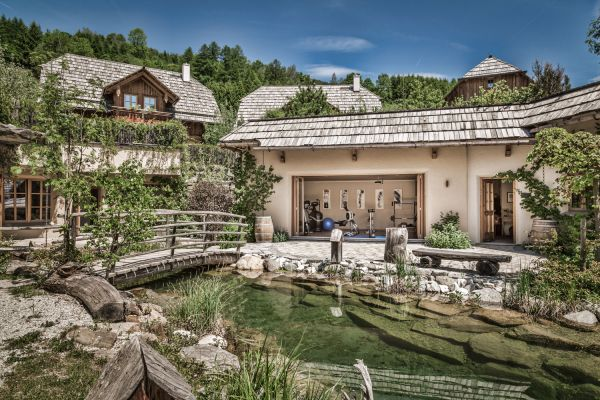 Chalet resort with own fitness area, sauna and fresh-water pond – st martin chalets in Lungau