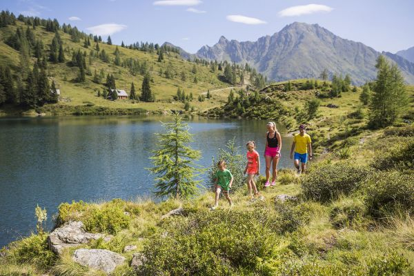 Hiking holiday for the whole family – Holiday at st martin chalets